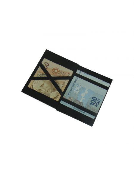 arteira mágica produzida em sintético marrom foto da parte interna com dinheiro sendo demosntrado