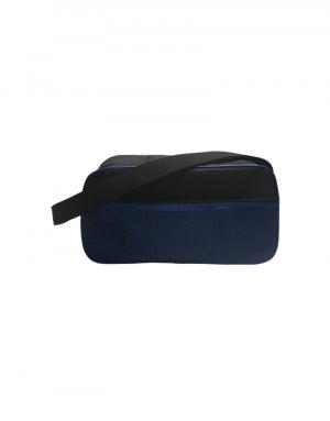 mala de viagem curta produzida em poliester 600 preto com detalhes em poliester 600 azul e tela frontal azul