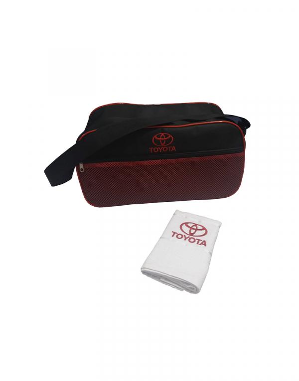 mala de viagem curta produzida em poliester 600 preto com detalhes em poliester 600 vermelho e tela frontal vermelha fotos com tolaha ilustrativa