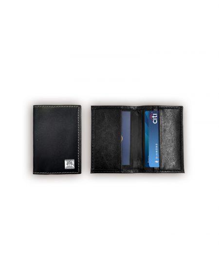Porta cartão de visita produzido em material sintético preto foto fechado e aberto demonstrando espaçoes para guardar cartões