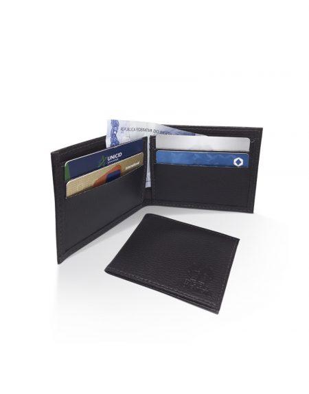 Carteira RR produzida em material sintético preto foto aberta e fechada com demonstração de itens internos