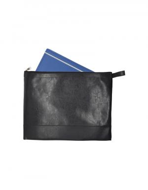 pasta malote em material sintetico preto com caderno dentro
