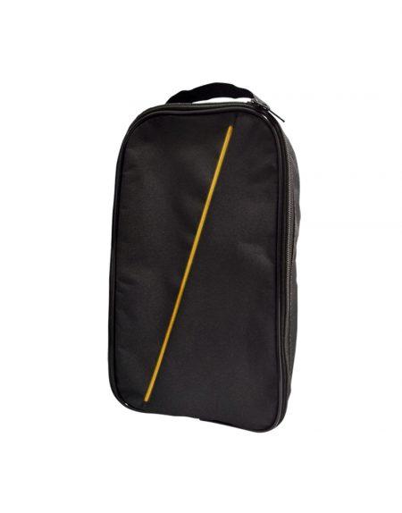 Porta tenis em poliester preto e detalhe em poliester 600 amarelo pode ser usado como bolsa de academia